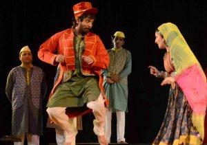 Das performs with Ketaki Thatte in nautanki 'Bahadur Ladki', as Gopal Tewari (left) and Santosh Tiwari look on, in Shanbag's Stories in a Song