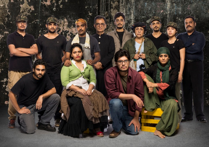 The entire ensemble of Mother Courage and her Children